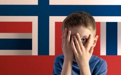 Dokonalý hyenismus pokračuje: Norové o odebraných dětech mlží a vysmívají se nám